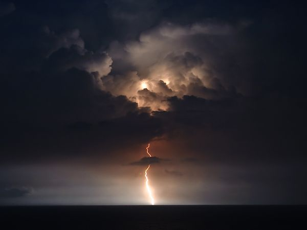 lightning-ocean-myrtle-beach_42003_600x450